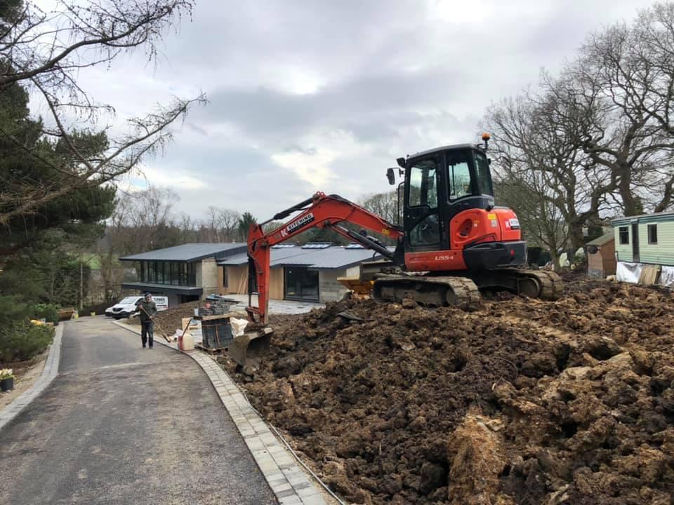 Midi Excavators